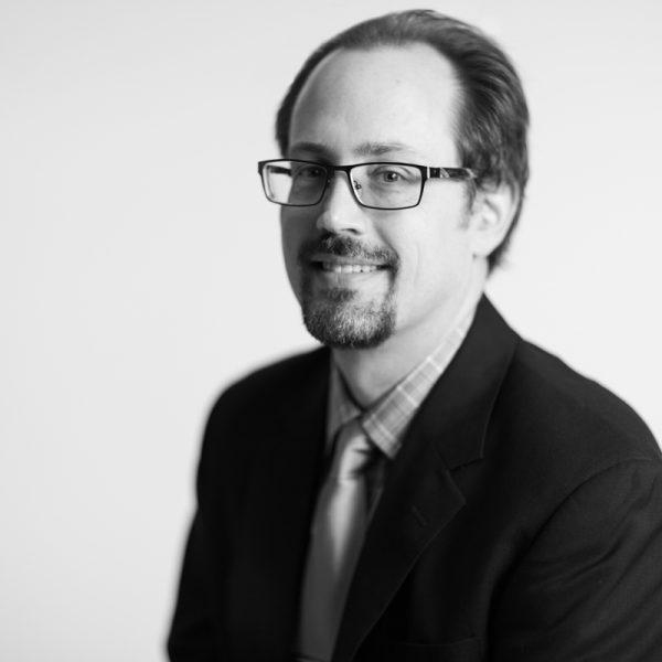 Headshot of Darell Drake, Vice President of Research and Insights at KSM.